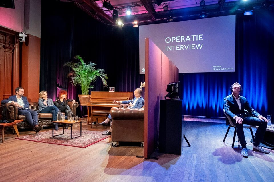 foto van het podium tijdens een programma