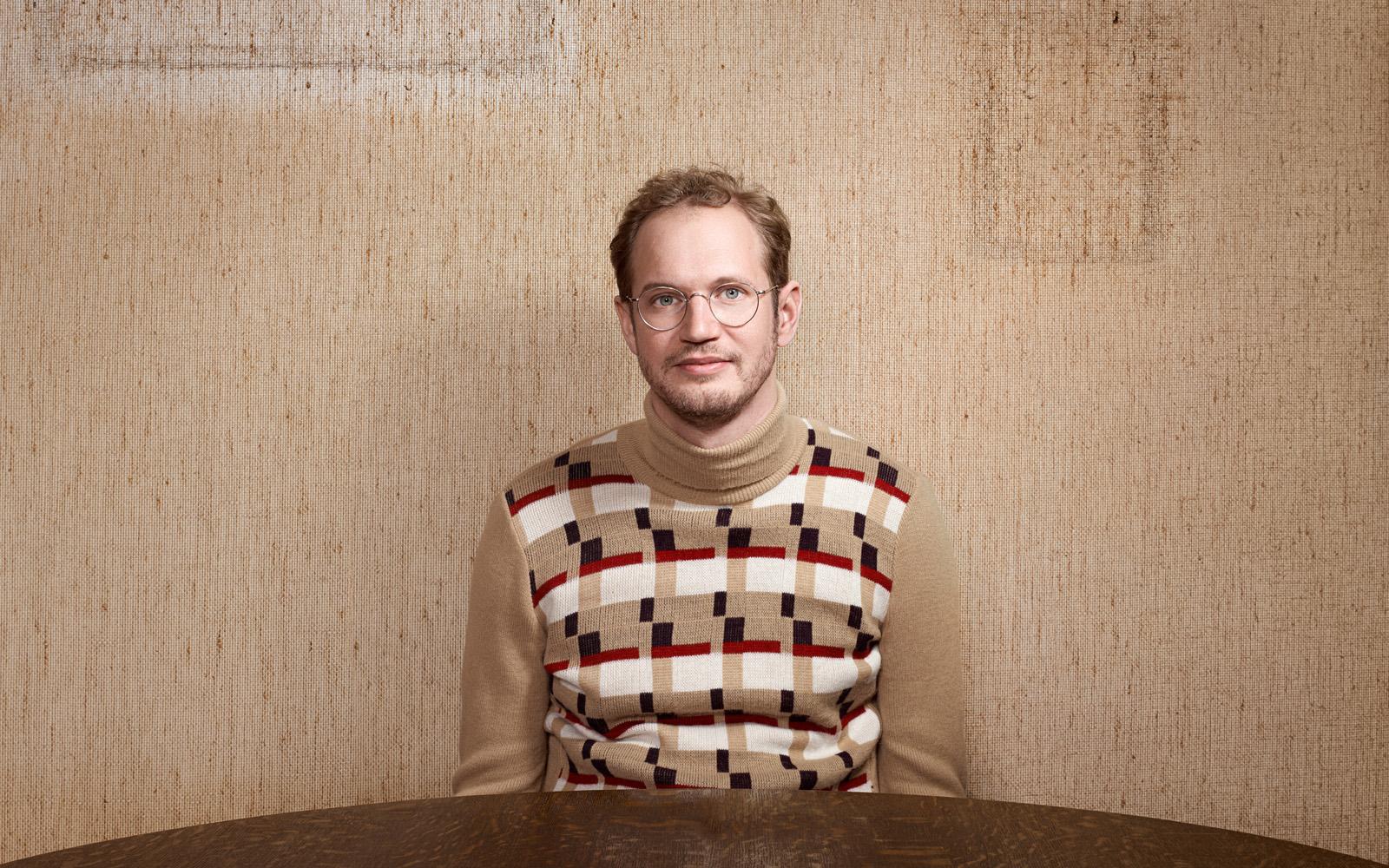 portretfoto van cabaretier Johan Goossens